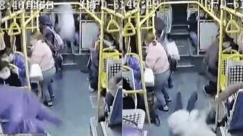 公車靠站急剎!38歲女「後方座位→駕駛座」噴飛2公尺慘死