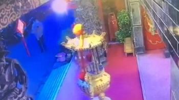 獨/宮廟遇詐反計誘詐團 車手遭逮是知名女書法家