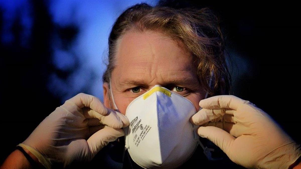 英單日病死1610人刷新紀錄 疫苗接種破4百萬