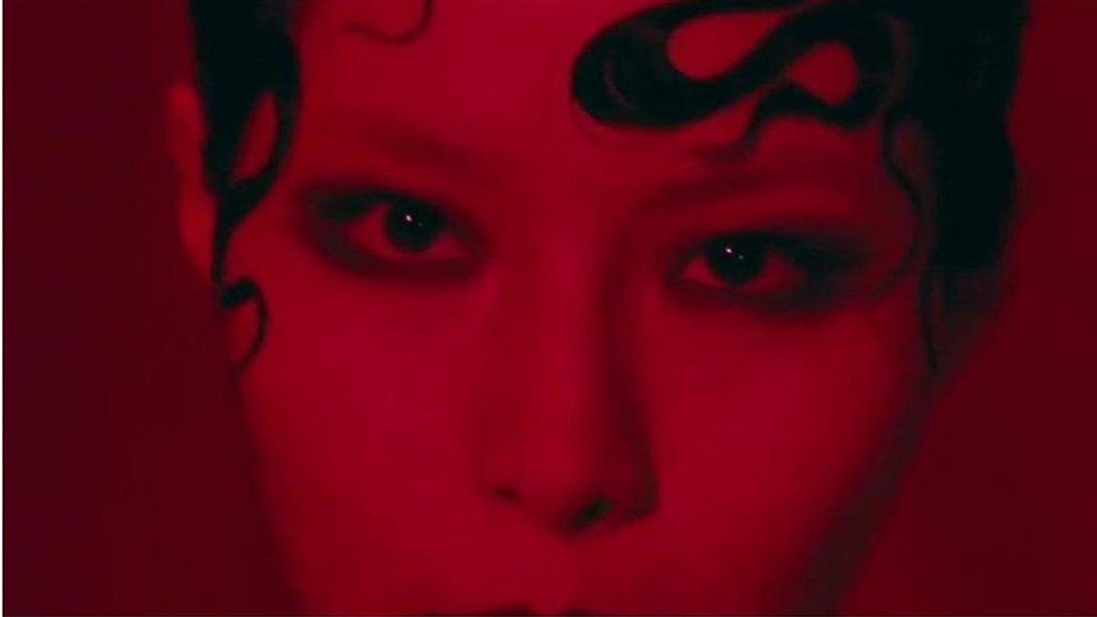 《Yellow》:韓國K-pop熱曲以音樂打破東方女性的刻板印象