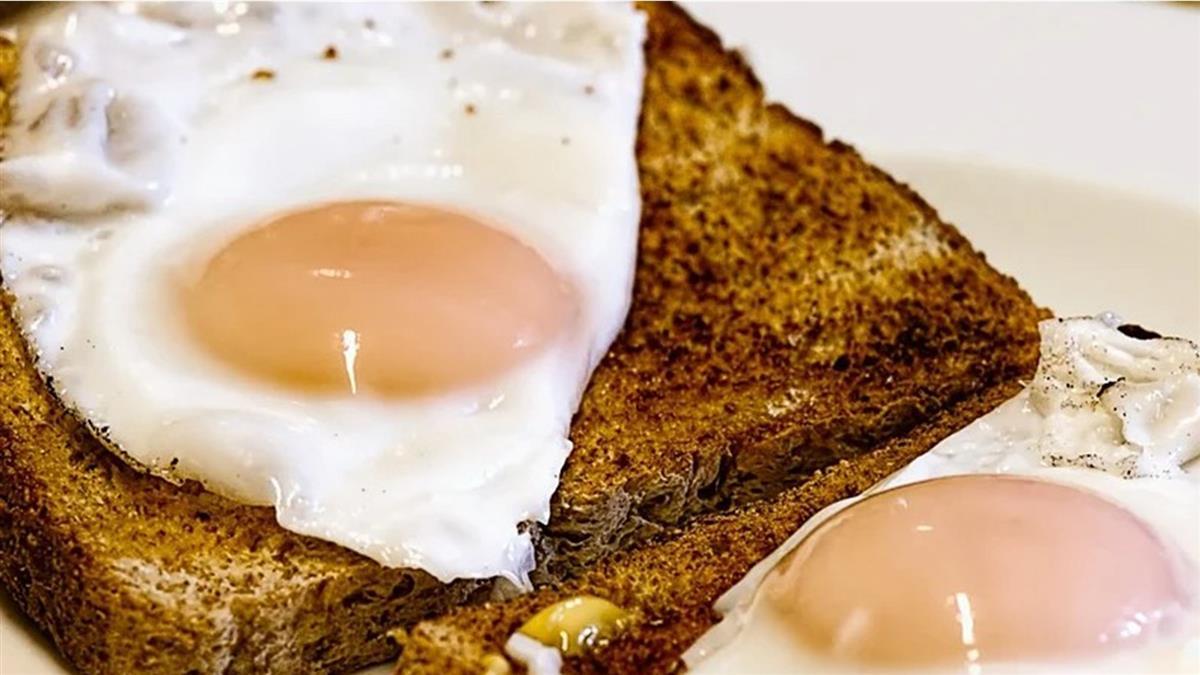 早餐店點半熟蛋被收30元 同業跳出護航反遭罵爆