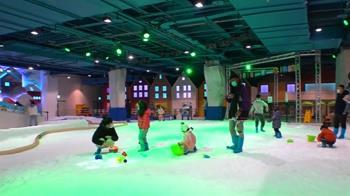 逾3米高人造滑雪坡刺激!百貨、OUTLET皆搶攻白雪商機