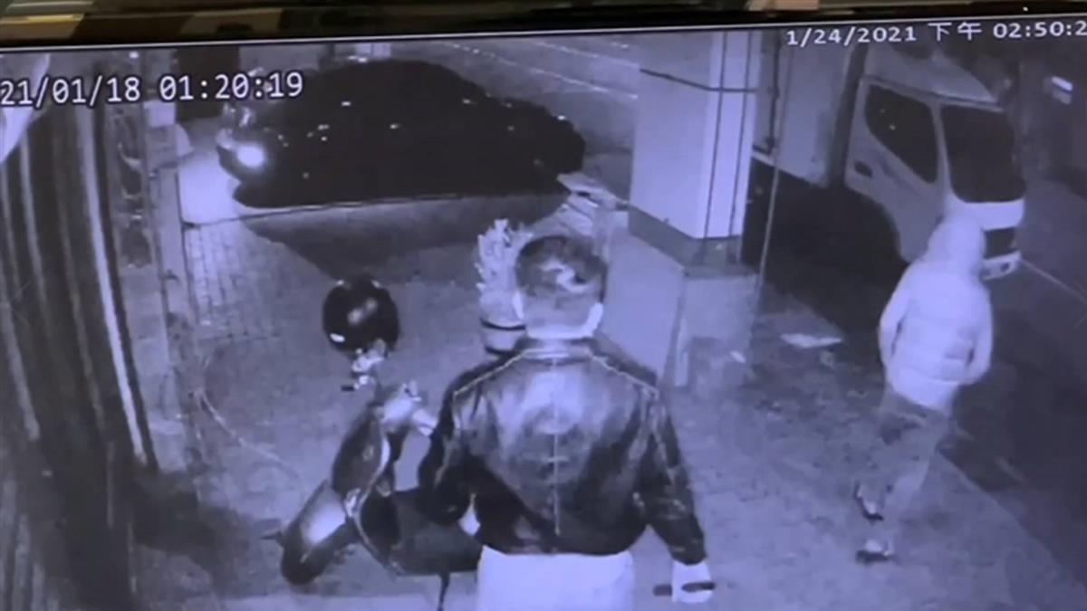 獨/高雄男欠租慘遭毆打 下秒找6友猛砍搶萬元