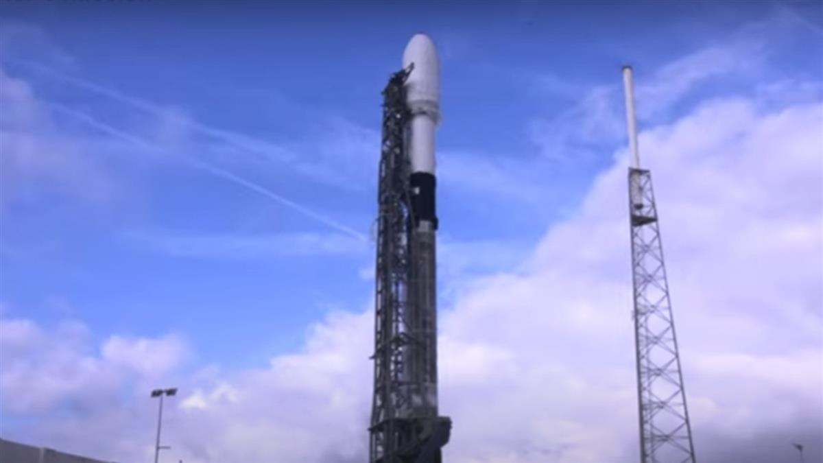 台自製飛鼠、玉山衛星升空 今上午10點首次通聯