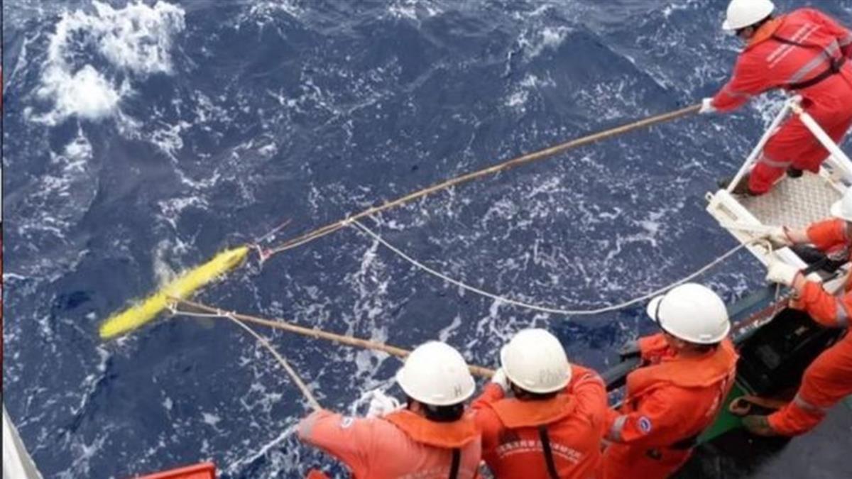 南海角逐:水下無人載具頻繁出沒為潛艇戰搜集信息