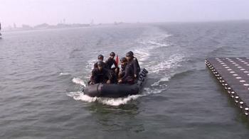 海軍春節戰備操演 模疑攻堅來犯船艦爆破敵人布雷