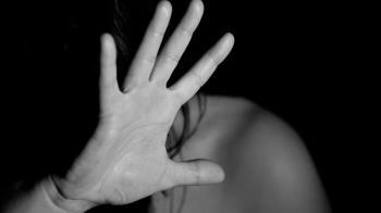 逛街突被通報「管教不當」 高雄女氣炸暴打媽胸口慘了