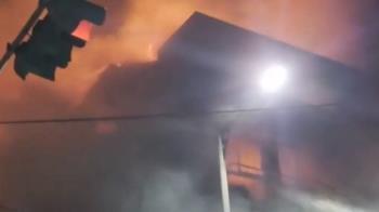 暗夜惡火吞噬4層樓民宅 屋主倒樓梯間身亡