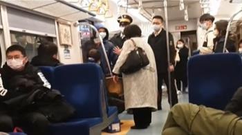 男拒量體溫擅開公務門進站 列車長拒載爆口角