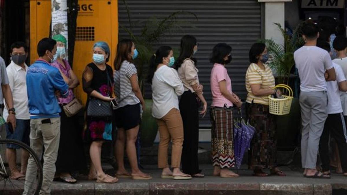 緬甸軍事政變後:斷網 屯糧 逮捕 「一夜之間 生活全亂了」