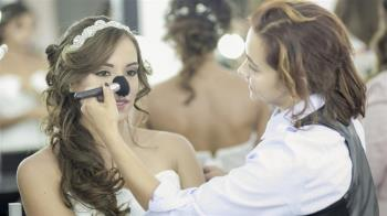 扯!準新娘趁試妝直接結婚 新秘氣炸:欺負人啊