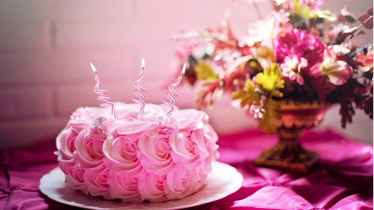 男大生訂蛋糕送「5女友」 店家確認關鍵點他笑哭了