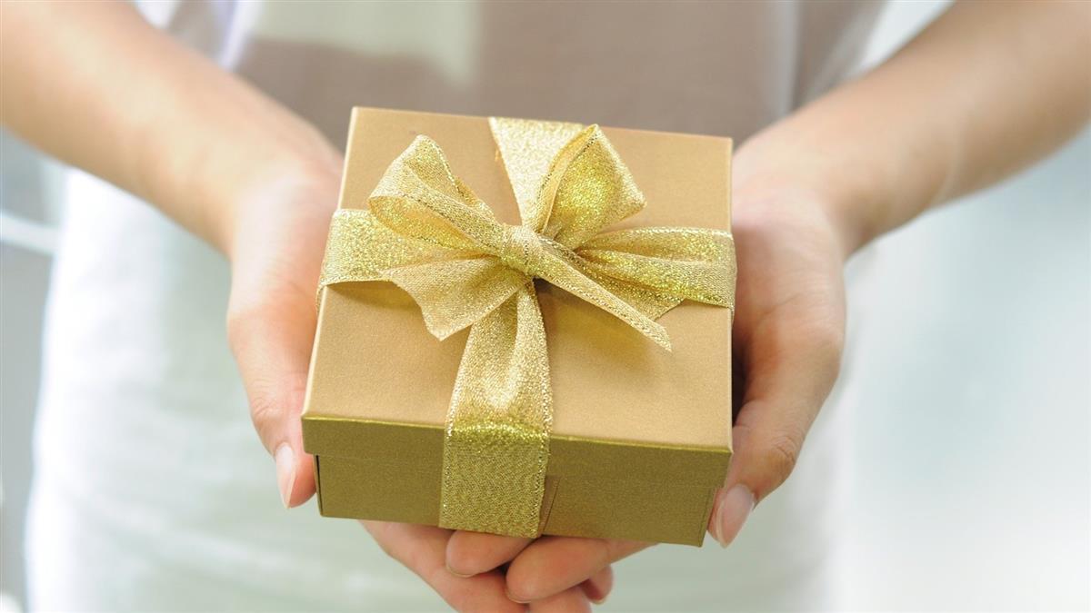 過年禮盒遭男友媽扔垃圾桶 她心寒發文反被轟:沒常識