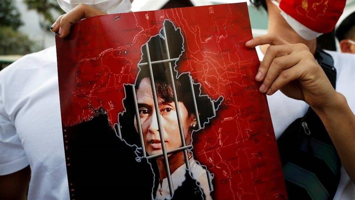 BNO引發中英摩擦、緬甸政變、中國反駁BBC新疆報導與更多故事