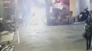 驚悚!車墜六米深停車塔 情侶檔受困駕駛頭部受傷