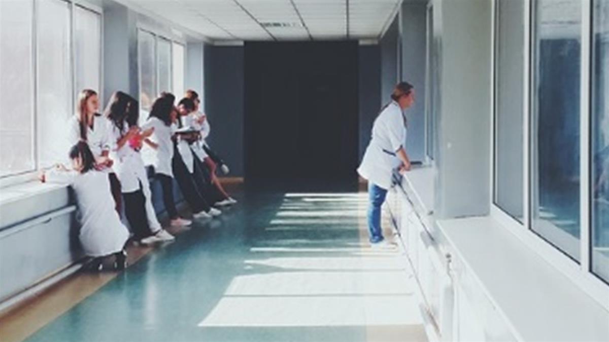 護理師抽中過年上班狂YES 原因曝光一致認同