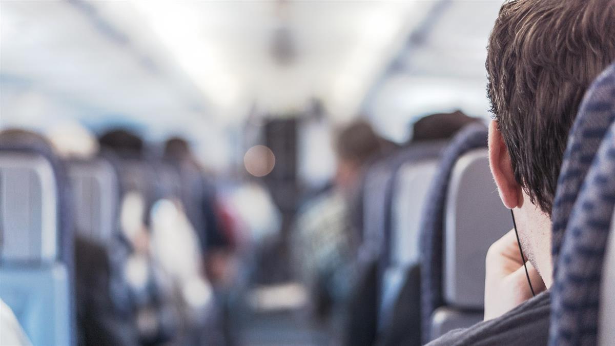 有人死在飛機上怎麼辦? 空姐爆「一條毯子」處理SOP