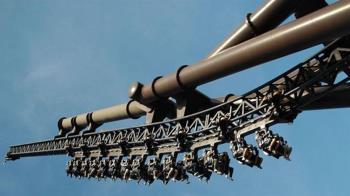 17歲少女玩雲霄飛車休克亡 家屬求償遊樂園敗訴