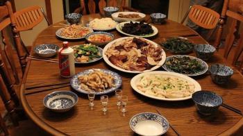 抱怨夫家過年好菜都給小姑 人妻遭酸:等妳當婆婆就知道