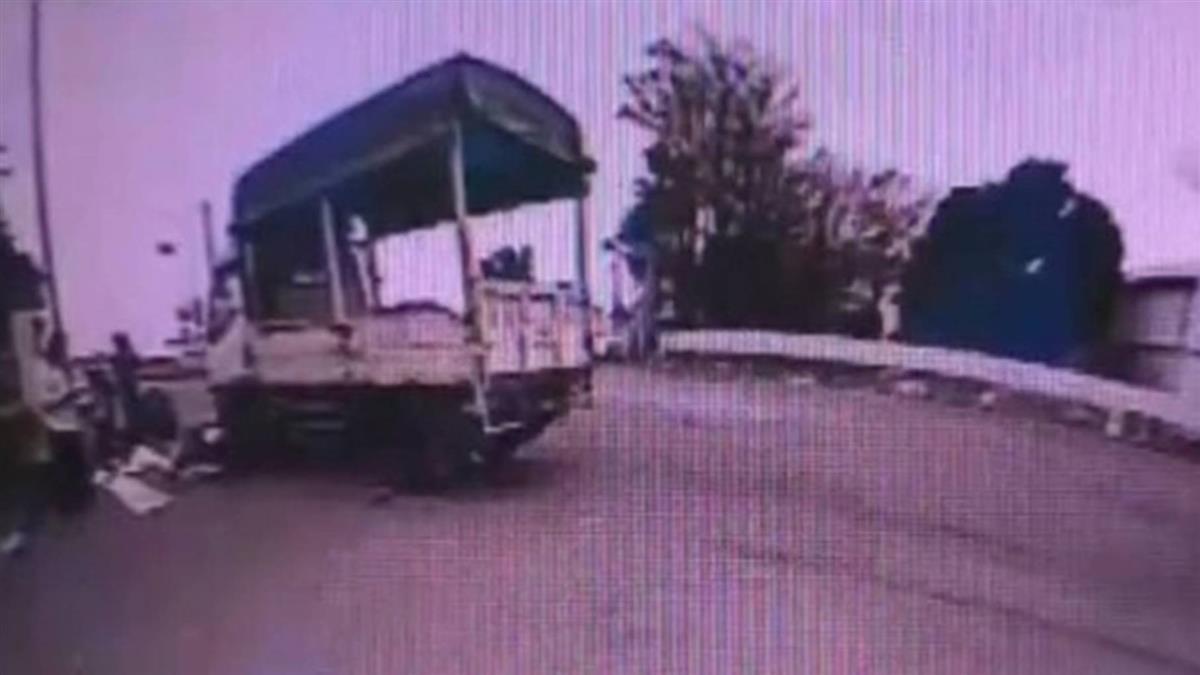 快訊/小年夜意外!90歲老翁騎車擦撞大貨車 無生命跡象送醫