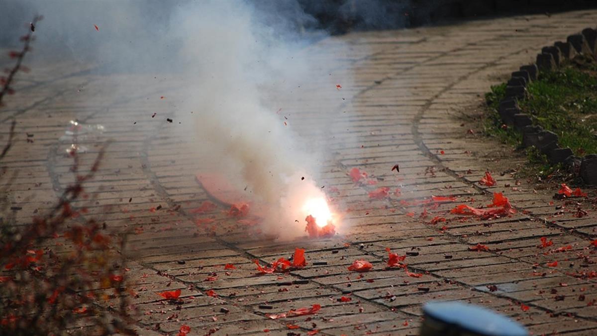 台東男遭鞭炮「口爆」 咽喉嚴重灼傷…送醫插管搶命