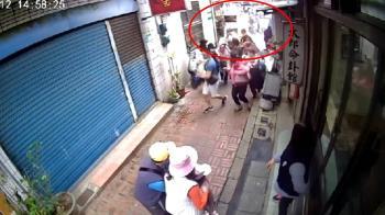 三峽老街攤商疑瓦斯外洩竄火球 4遊客慘遭燒傷