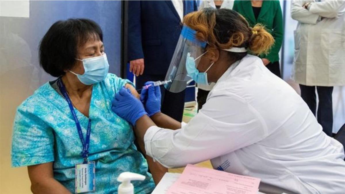 新冠疫苗:加拿大被指囤積疫苗 卻為何接種進度落後