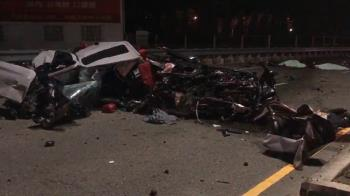 快訊/彰化BMW自撞護欄 2人遭拋飛慘死1人送醫