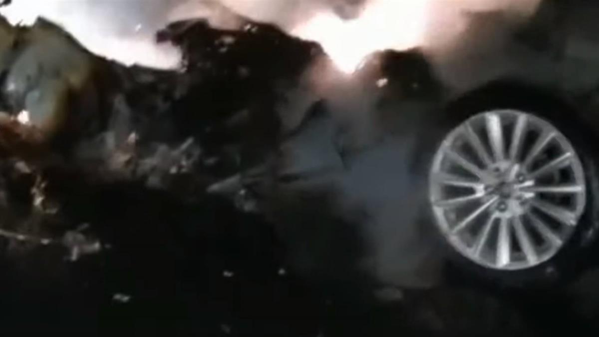 國5火燒車駕駛拋飛車外亡 台3線騎士過彎撞護欄不治