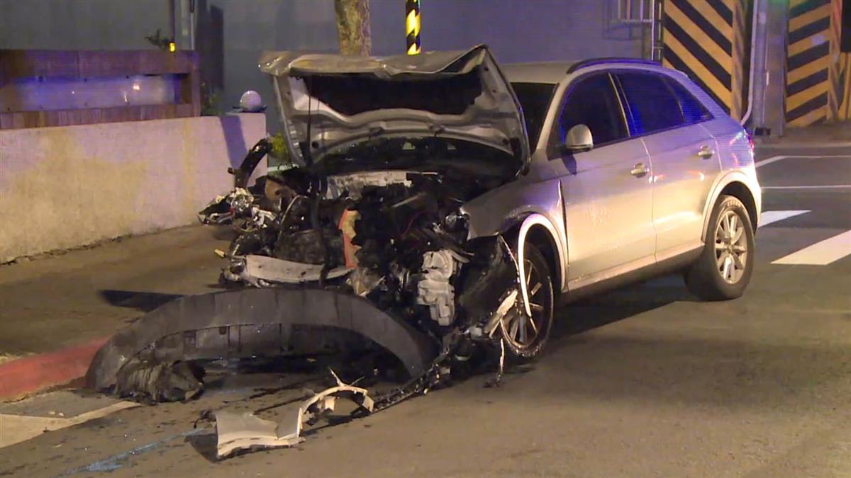 奧迪Q3撞爛5名車 恐賠400萬…女車主傻爆眼