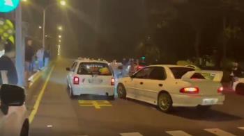 屏東生技園區內違法賽車 裁判差點被撞...驚險畫面曝