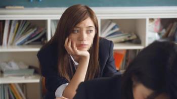 天生髮色淺!女學生被迫染黑「否則別上學」 氣炸求償200萬