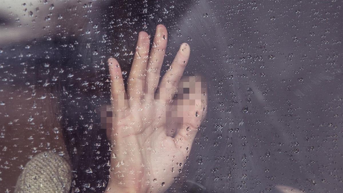 19歲男載女友突「超想要」 強拉衝加油站廁所辦事慘了