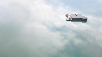 入住一晚要價3.4萬 陸非法「海上漂浮酒店」GG了