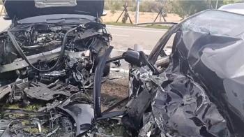 疑超車逆向對撞!一家三口父子雙亡 獨留19歲媽媽