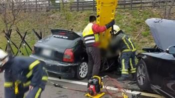 紀錄器曝!苗栗三灣兩車對撞 1家3口2死1重傷