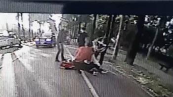 屏監門口驚傳街頭暴力 2男遭8人圍毆頭破血流