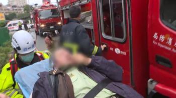 中和市場清晨冒火 住戶爬窗逃生腳底板燙傷