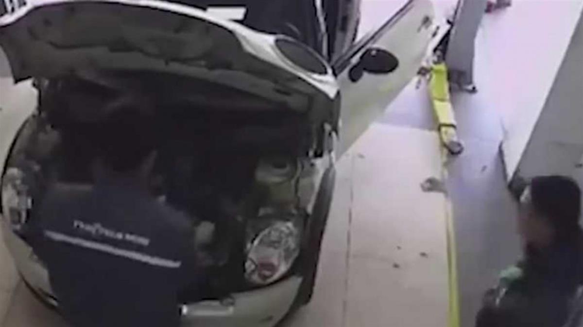 男技師修車驚見「40cm巨鼠」 秒嚇到破音狂奔