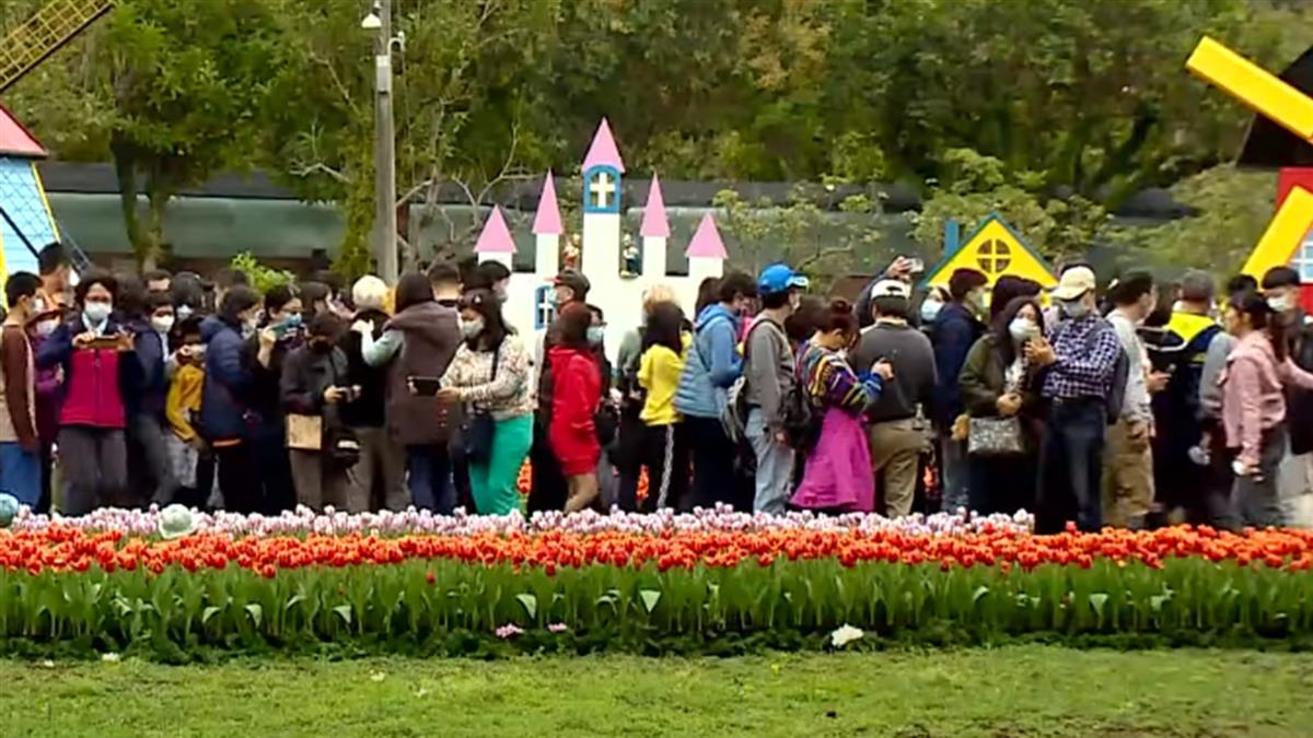 228民眾出遊人潮大爆發 北市景點被擠爆