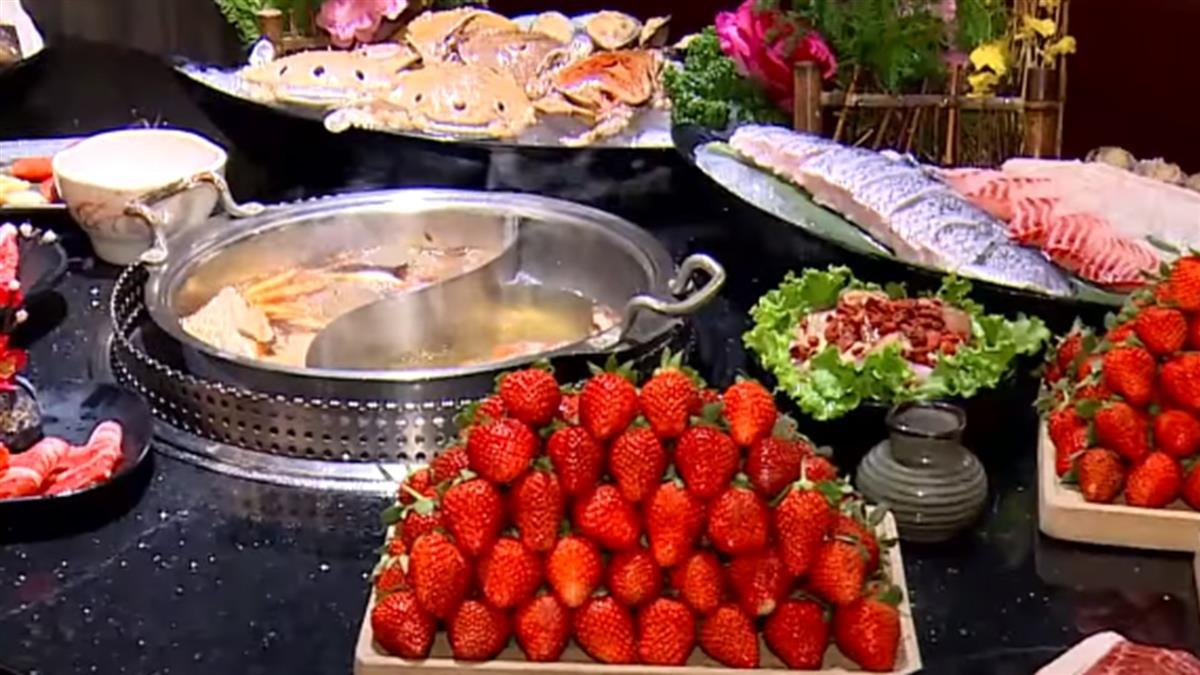草莓控商機!白草莓燉飯鹹甜滋味客難忘、披薩咬得到麻糬