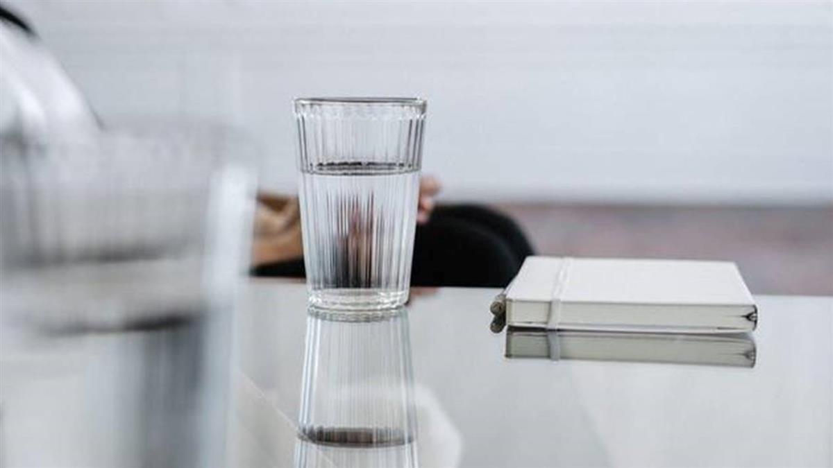 腦血管疾病死亡人數創新高 醫示警:不喝水年輕人也會腦中風