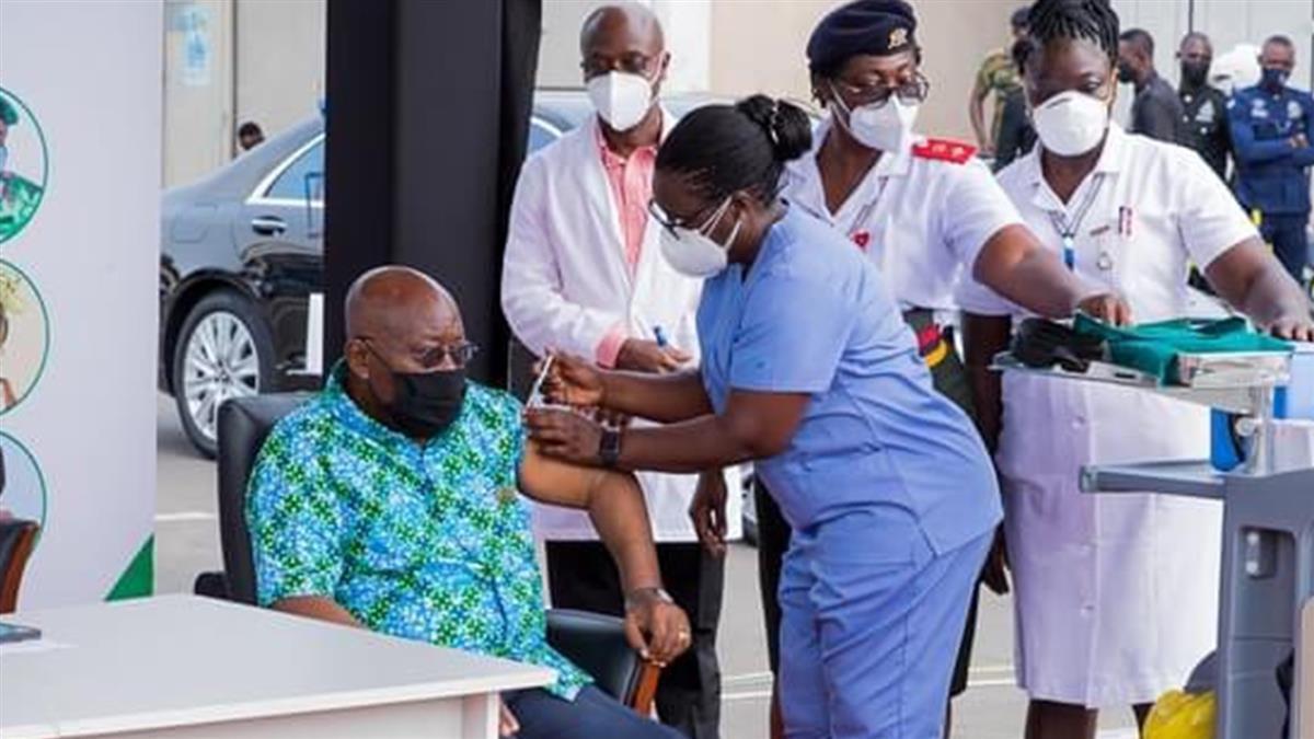 COVAX免費提供窮國疫苗 迦納總統第一個接種