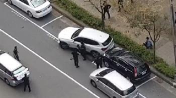 快訊/高雄警持槍圍捕畫面曝 雙方連開20槍嫌中彈命危