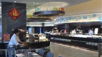 漢來海港餐廳員工「手機集中保管」 員工投訴:科技廠?