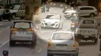 玩命關頭台北版 駕駛狂飆警跨3單位尾隨追緝