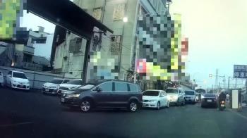 獨/吃鵝肉排隊進停車場 嘉義男1關鍵遭開違停單氣炸