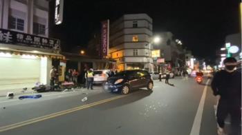 轎車逆向撞波及3機車2轎車 疑失控釀3傷送醫