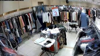 獨/東區百貨特賣會遭竊 疑假試穿連偷三件高檔服飾