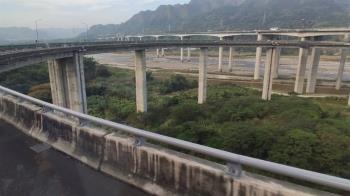 國道6號傳男子墜橋 死因警方調查中